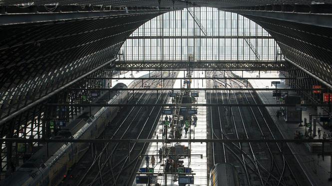 '9 sporen op Amsterdam Centraal? Dat is echt te weinig'