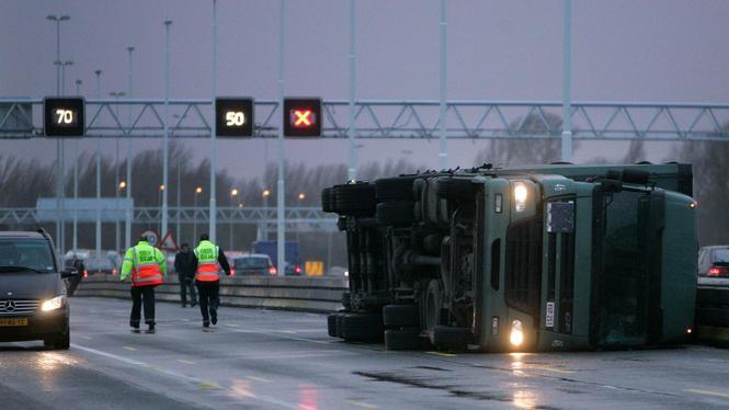 Chauffeurs moesten weg op tijdens storm: 'Ben je een watje?'