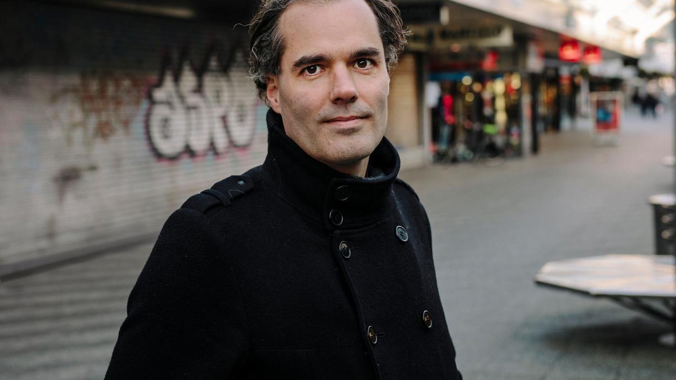 'Vrienden raad ik aan niet meer te kopen in Amsterdam'