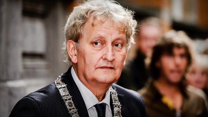 Dochter Van der Laan vraagt lievelingslied van vader aan