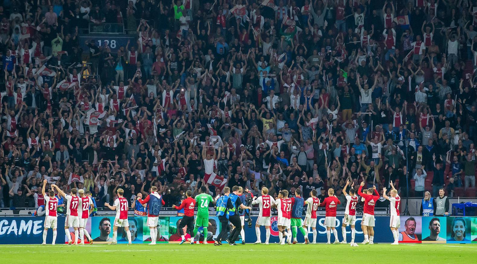 Ajax strijdt in Eindhoven om koppositie