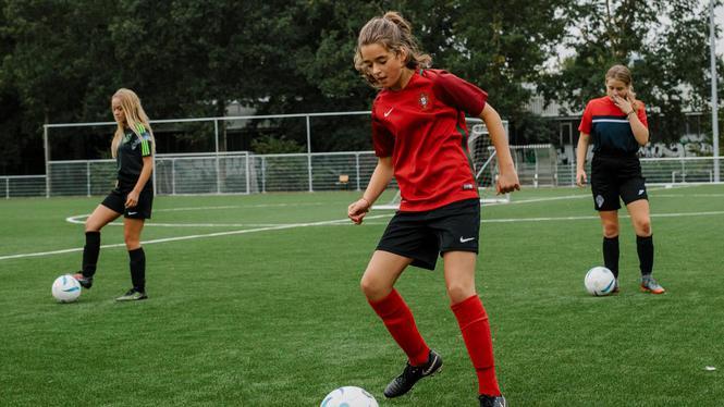 Bij SDZ bepalen vrouwen de koers van het meisjesvoetbal