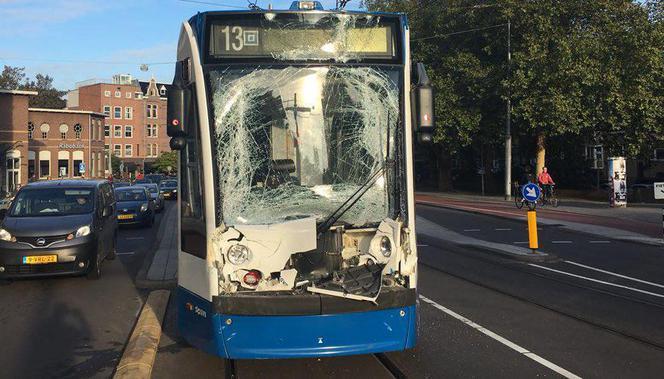 Trams botsen op elkaar in De Clercqstraat