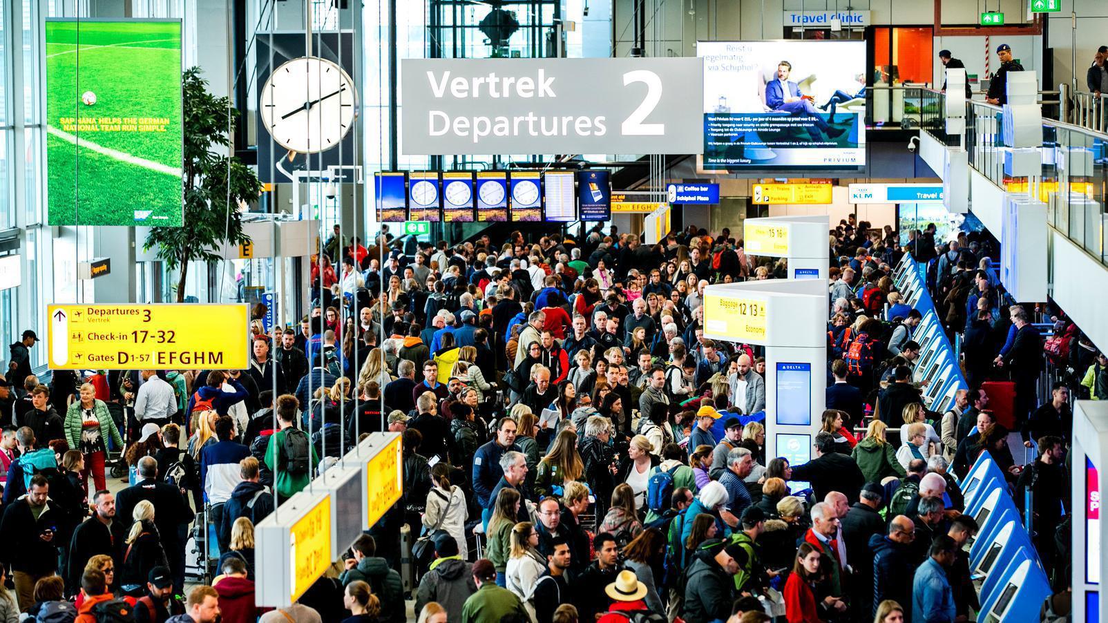 Schiphol: burgermarechaussees pas volgend jaar effectief