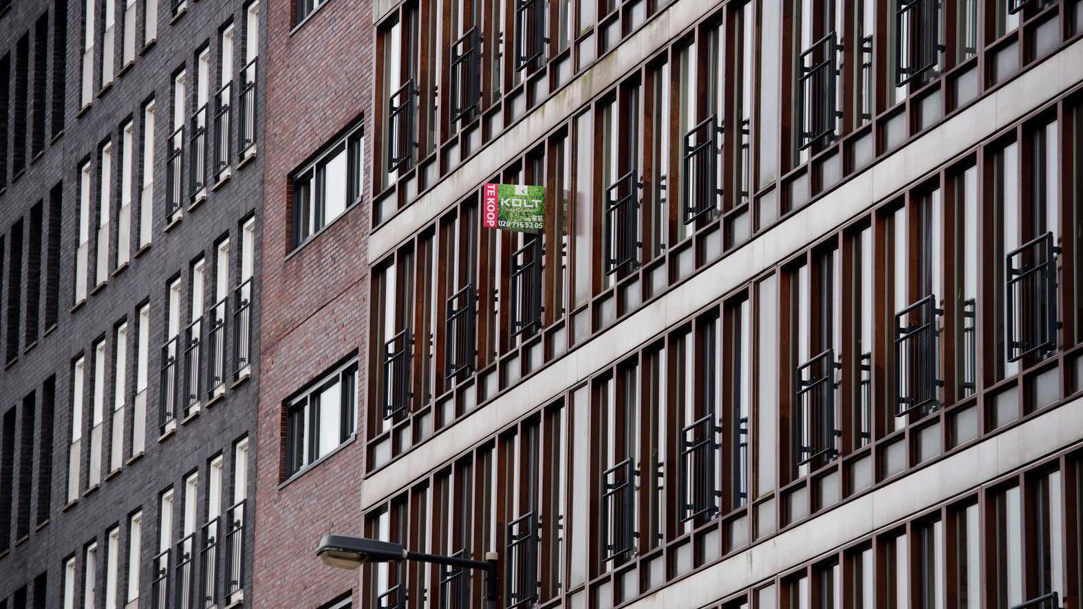 Woonfraude bij 911 woningen van corporaties in Amsterdam